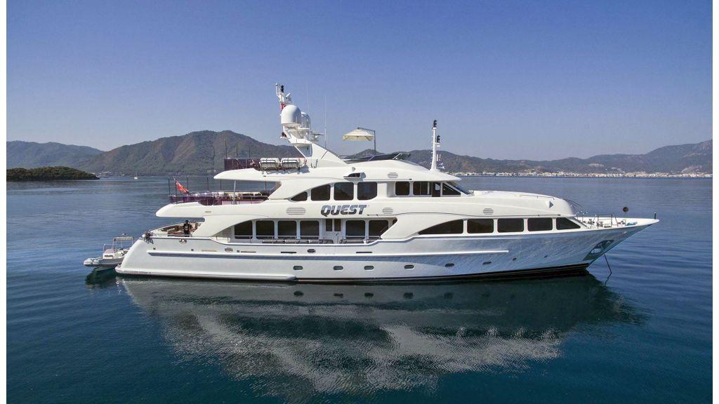 Motor Yacht QuestR master