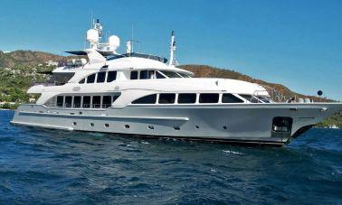 Motor Yacht QuestR