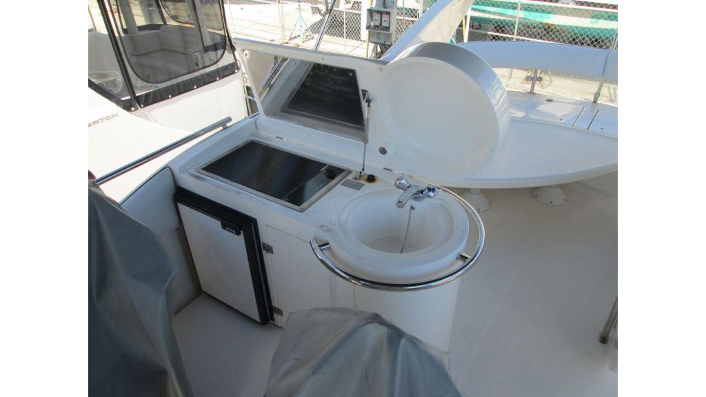 cesme-motoryacht-fairline13
