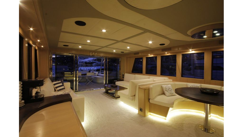 Bandido Luxury Motor Yacht master