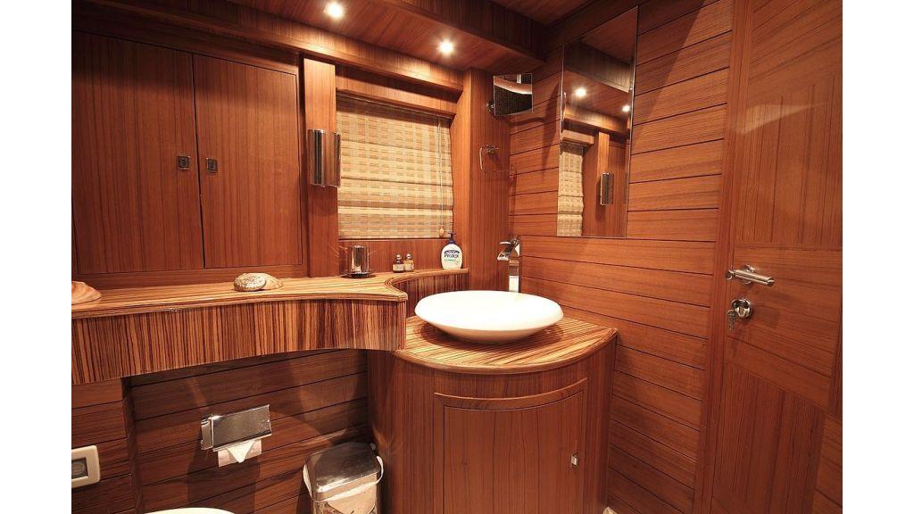 Custom Sailing Yacht for Sale (14)