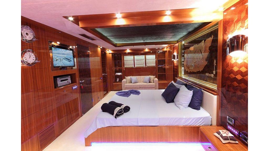 Custom Sailing Yacht for Sale (16)