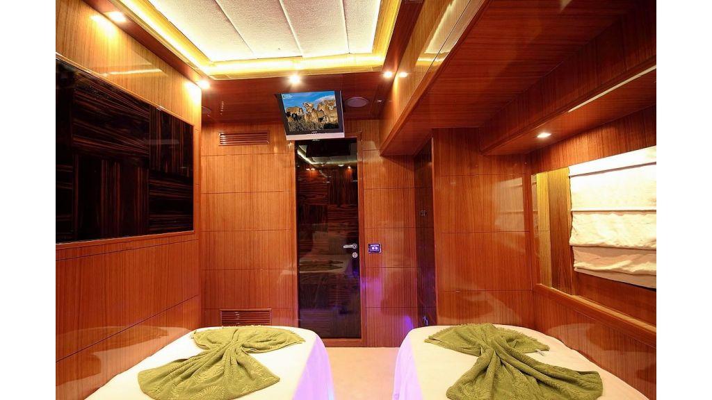 Custom Sailing Yacht for Sale (21)