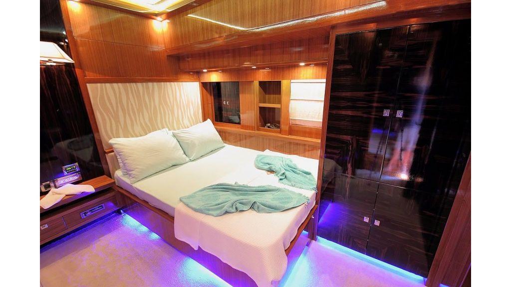 Custom Sailing Yacht for Sale (22)