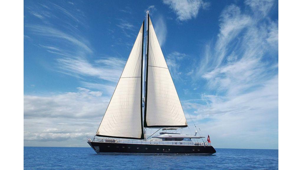 Custom Sailing Yacht for Sale (37)