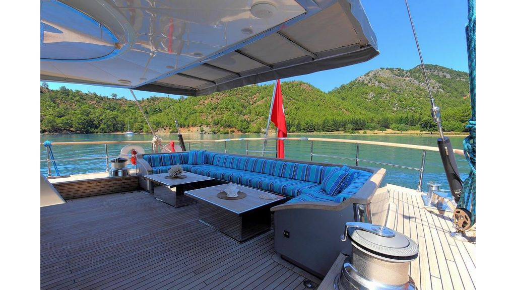 Custom Sailing Yacht for Sale (6)