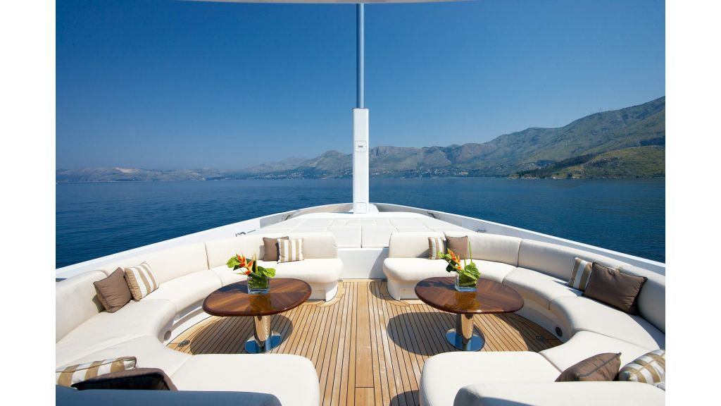 foredeck_table