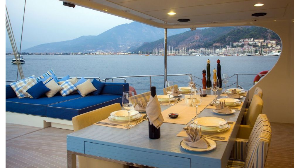 L Aqiula crewed Yacht master