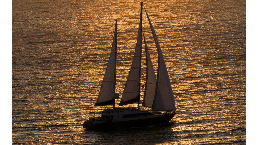 L Aqiula Sailing Yacht