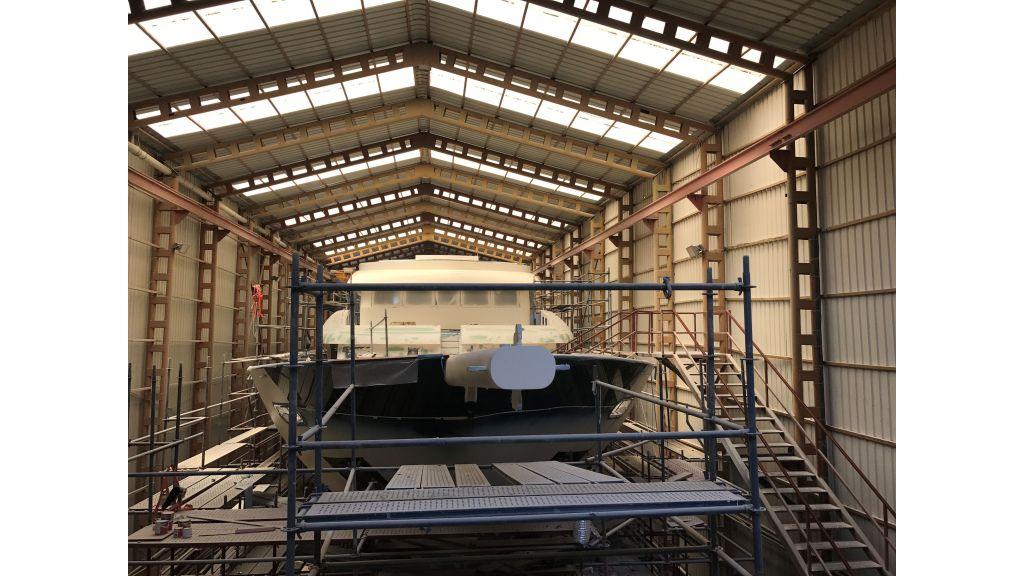 Steel-Motorsailer-Yacht (1)