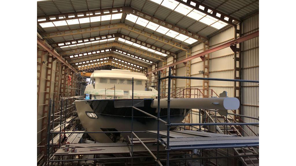 Steel-Motorsailer-Yacht (2)