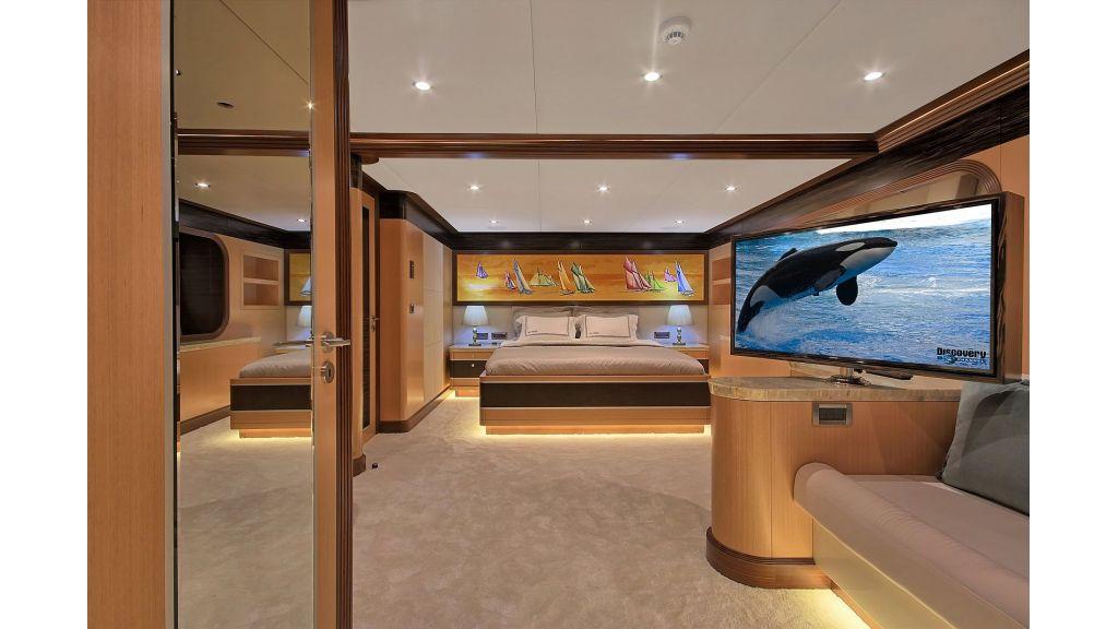 Steel Motorsailing Yacht (13)