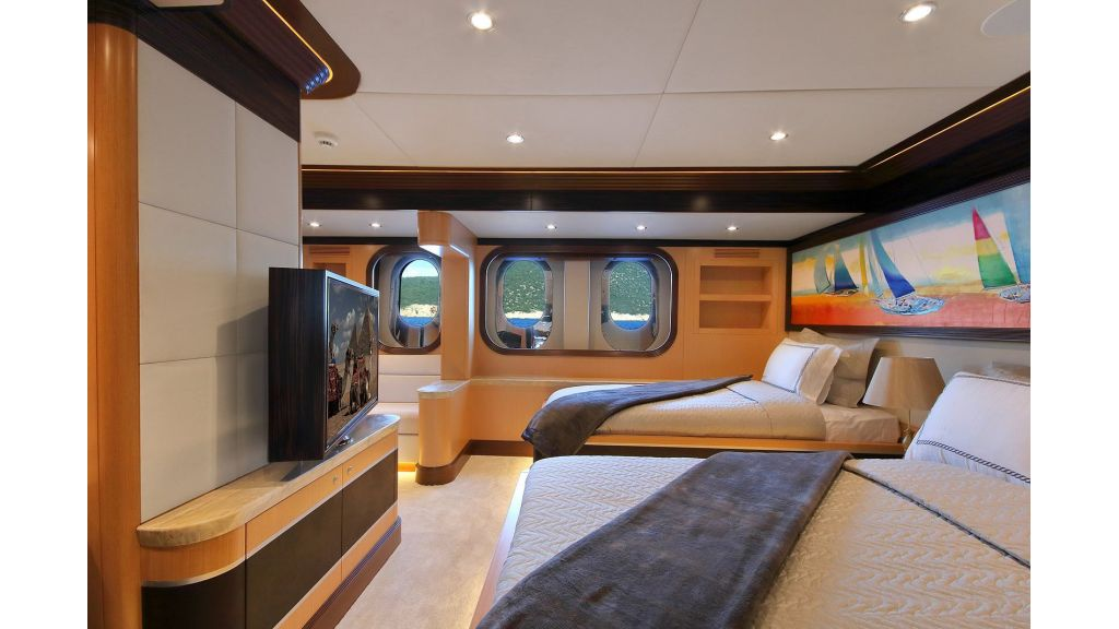 Steel Motorsailing Yacht (7)