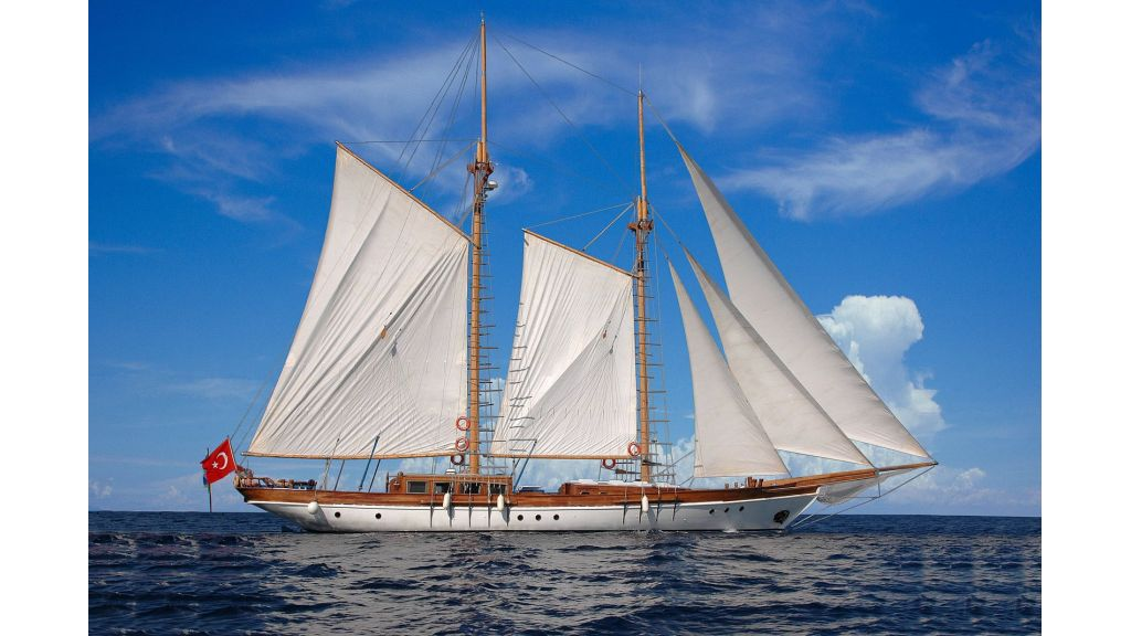classic-schooner-for-sale (1)