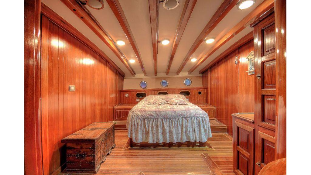 classic-schooner-for-sale (10)