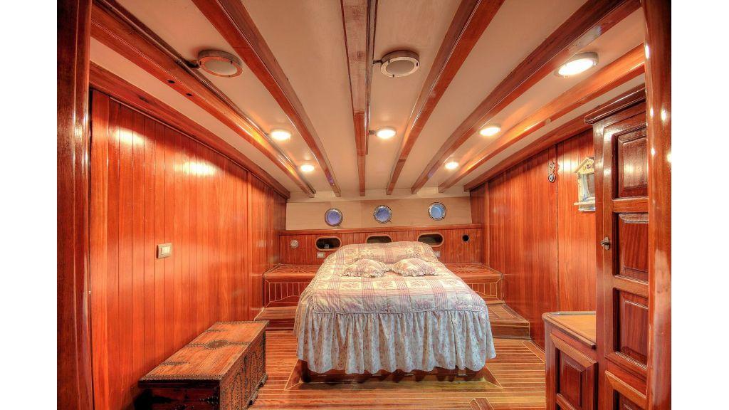 classic-schooner-for-sale (11)