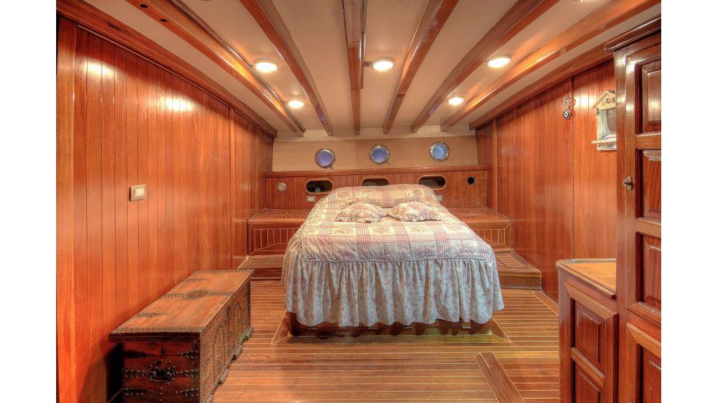 classic-schooner-for-sale (12)