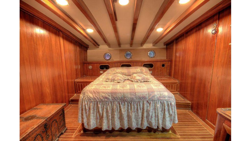 classic-schooner-for-sale (13)