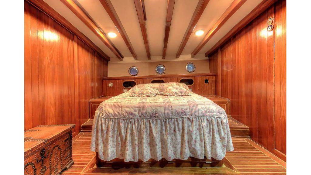 classic-schooner-for-sale (14)