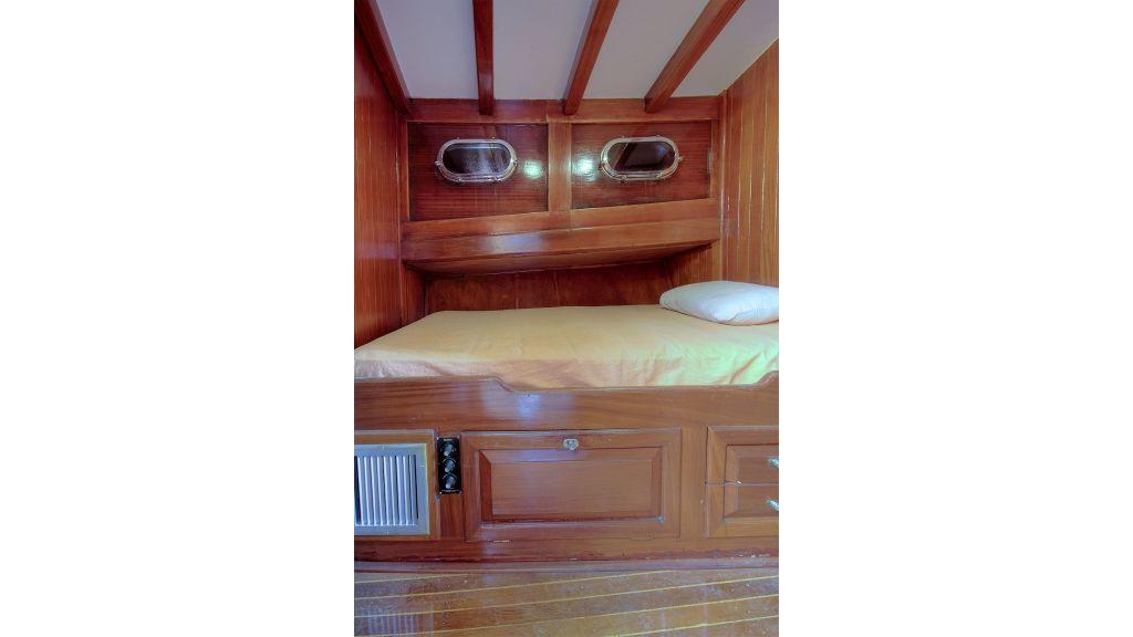 classic-schooner-for-sale (26)