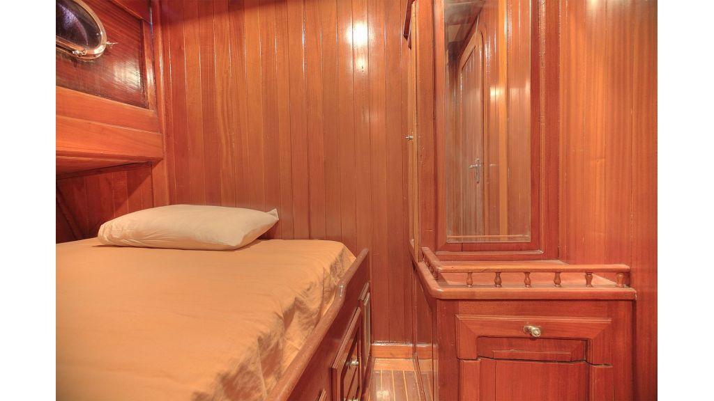 classic-schooner-for-sale (28)
