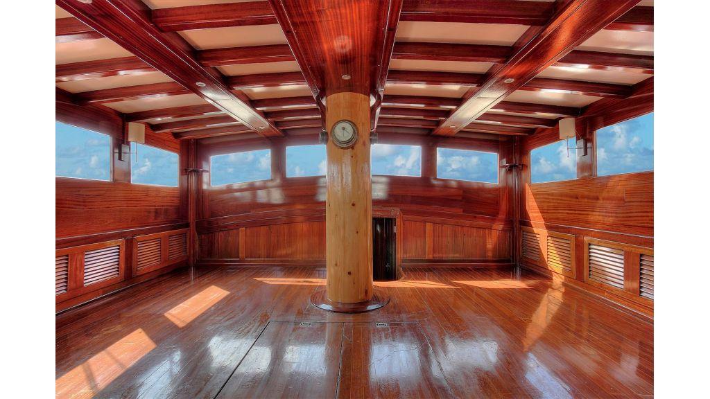 classic-schooner-for-sale (31)