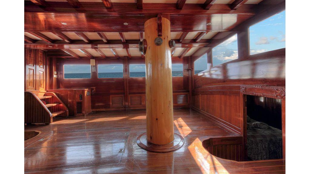 classic-schooner-for-sale (34)