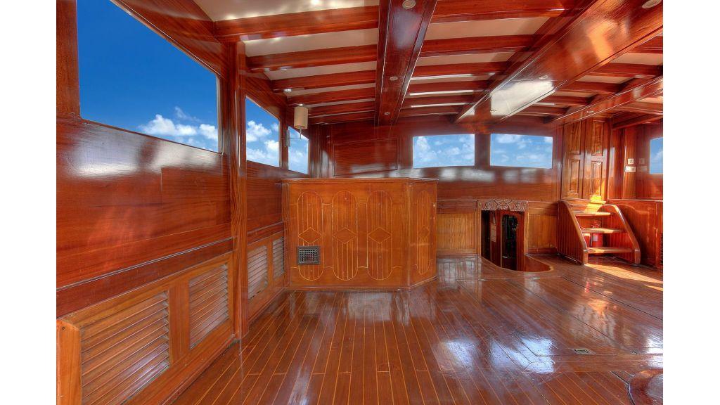 classic-schooner-for-sale (35)
