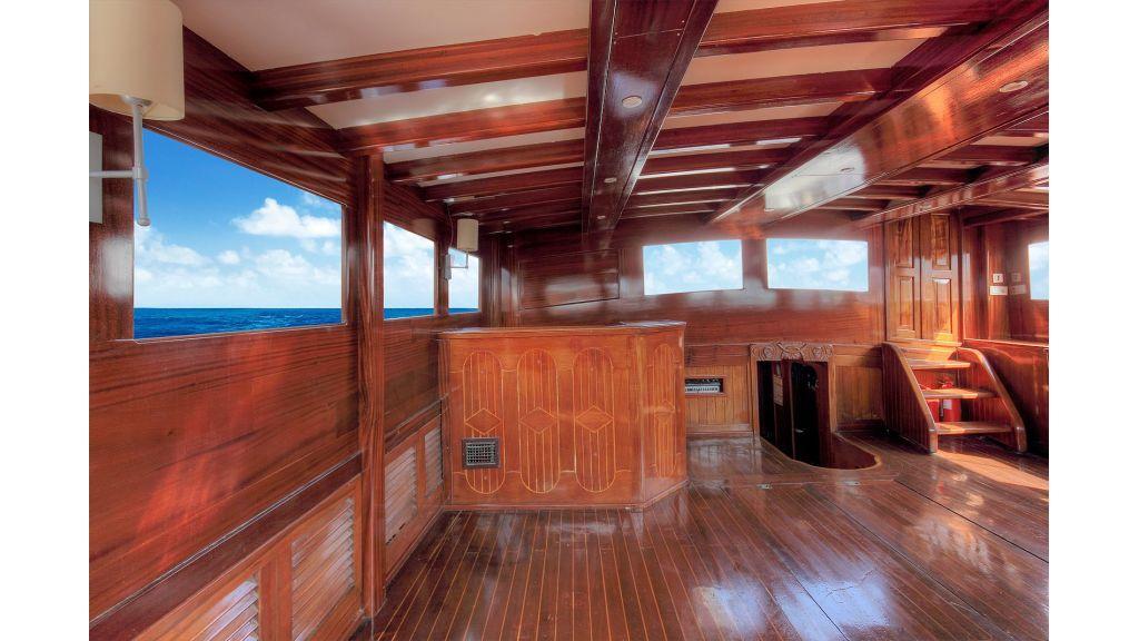 classic-schooner-for-sale (36)