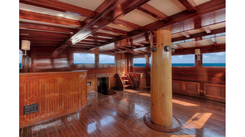classic-schooner-for-sale (37)