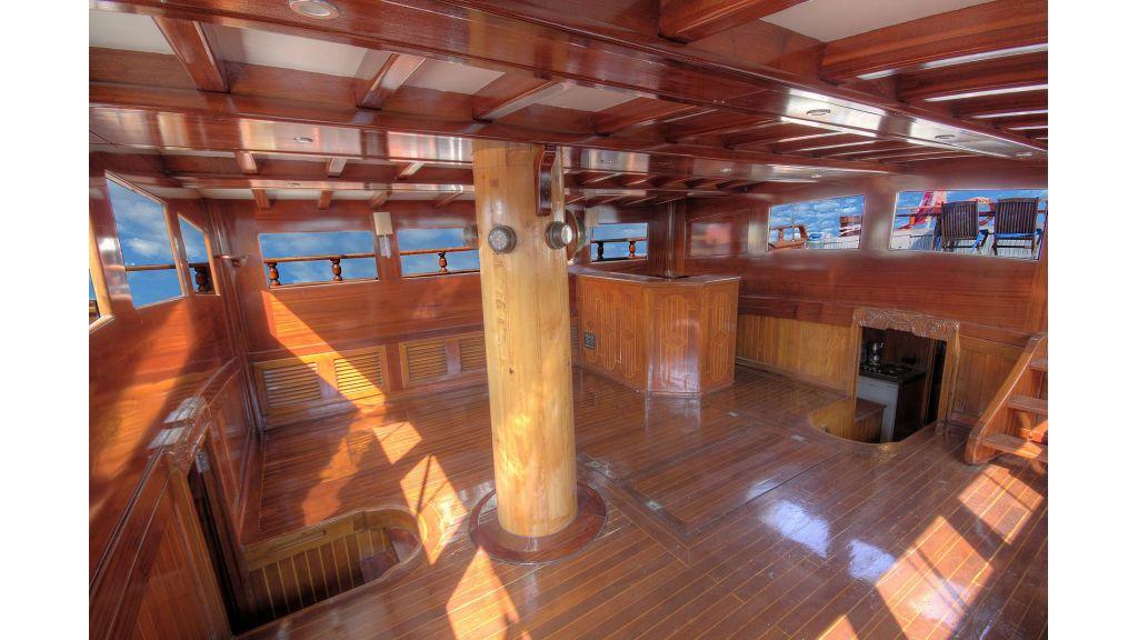 classic-schooner-for-sale (39)