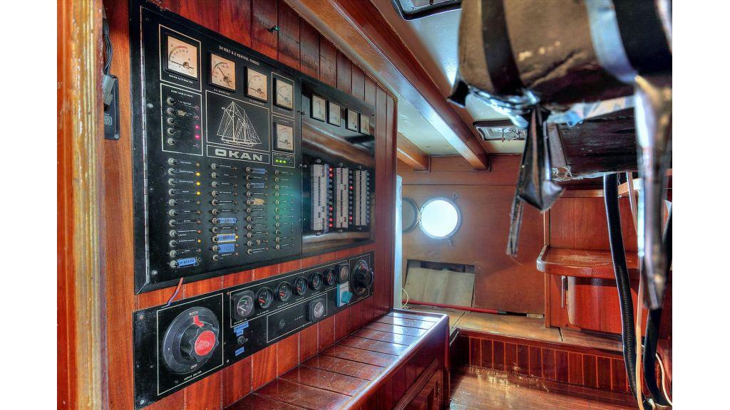 classic-schooner-for-sale (41)