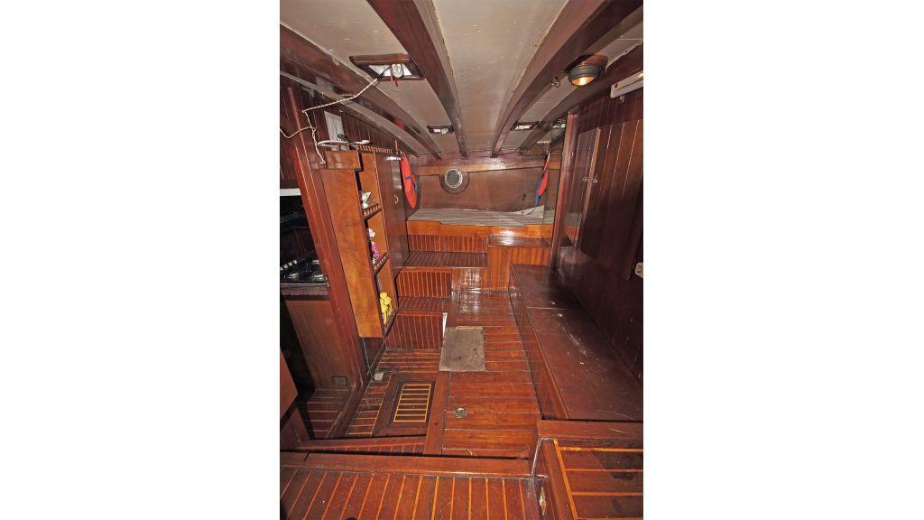 classic-schooner-for-sale (49)