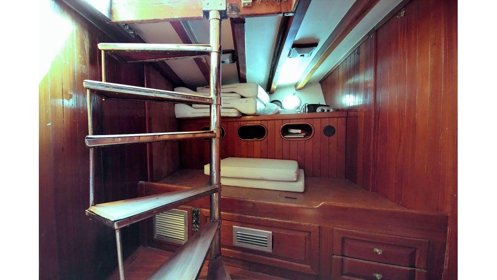 classic-schooner-for-sale (52)
