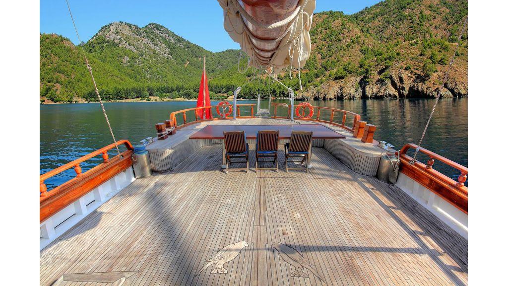 classic-schooner-for-sale (7)