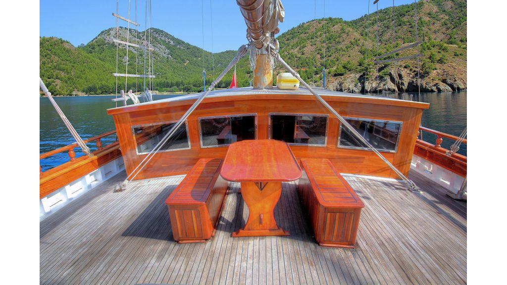 classic-schooner-for-sale (9)