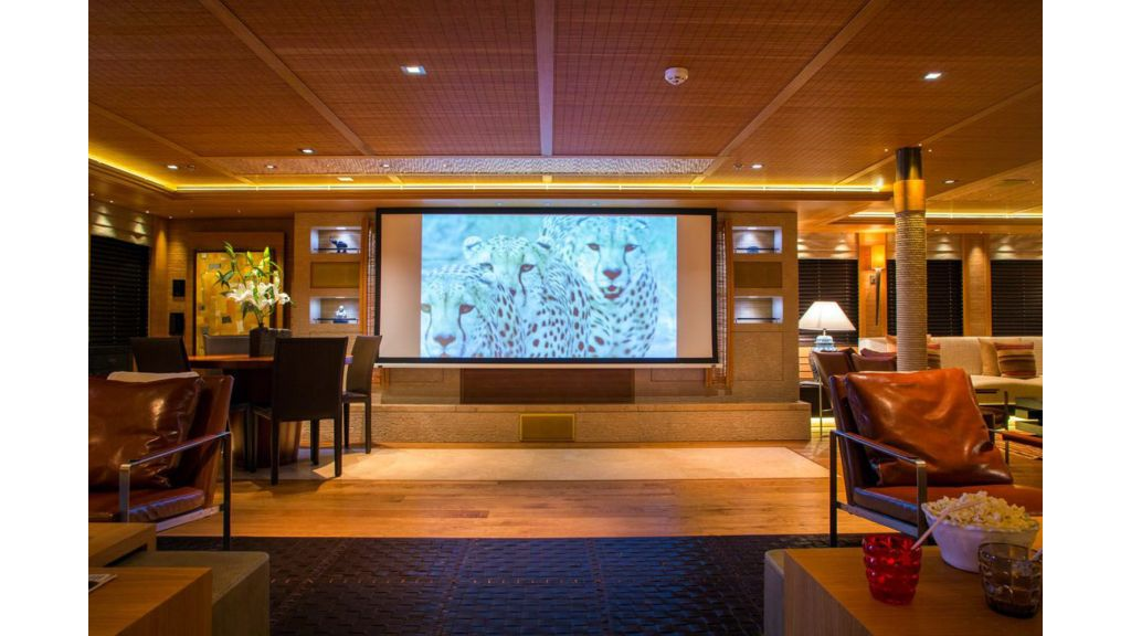 Naia Luxury Charter Yacht (10)