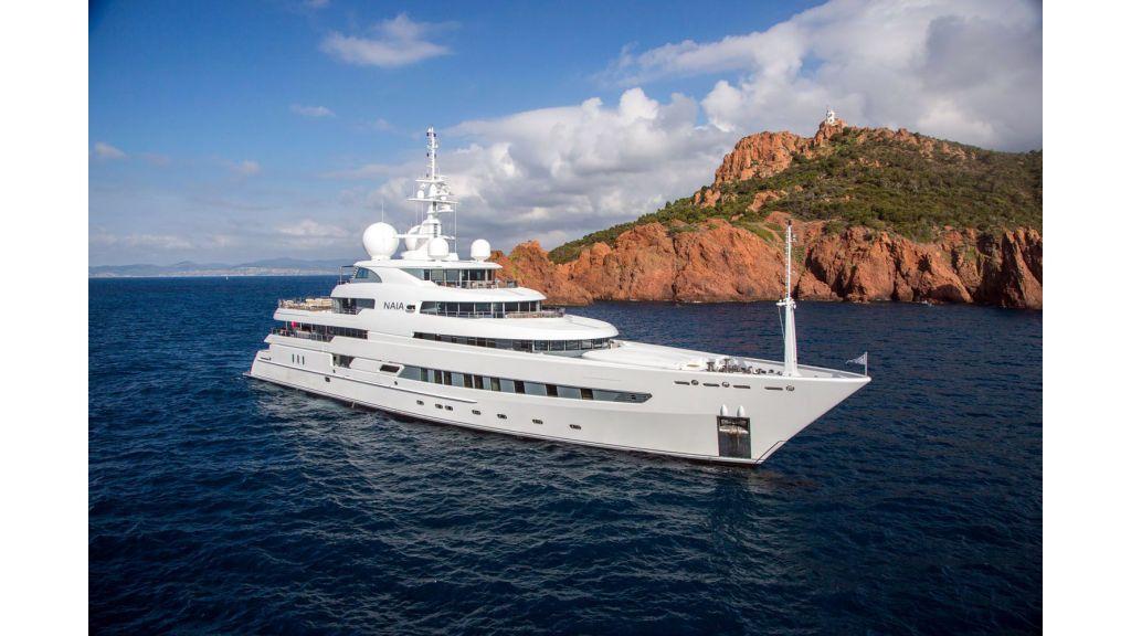 Naia Luxury Charter Yacht (12)