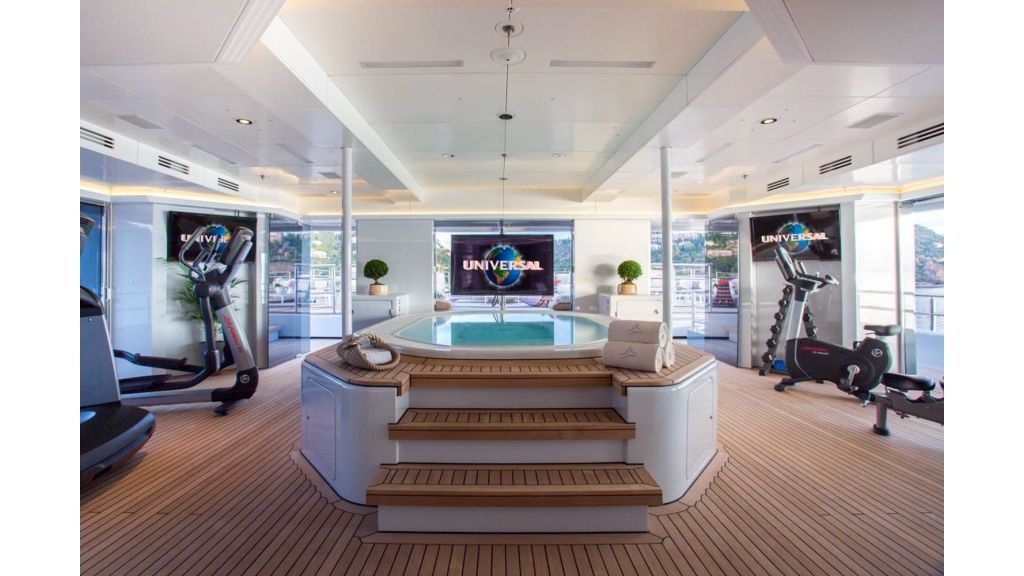 Naia Luxury-Yacht master