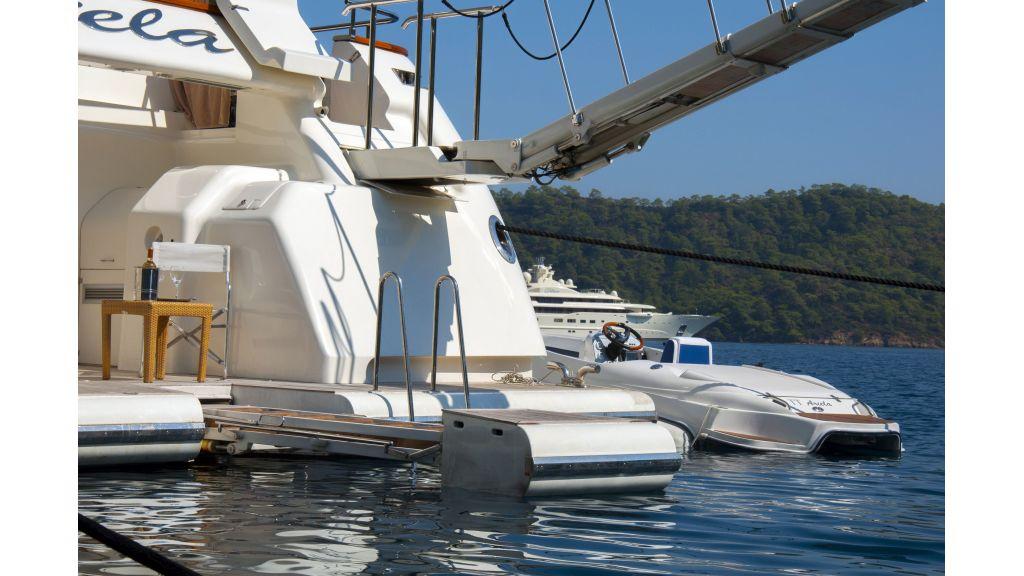 Ariella-motor-yacht
