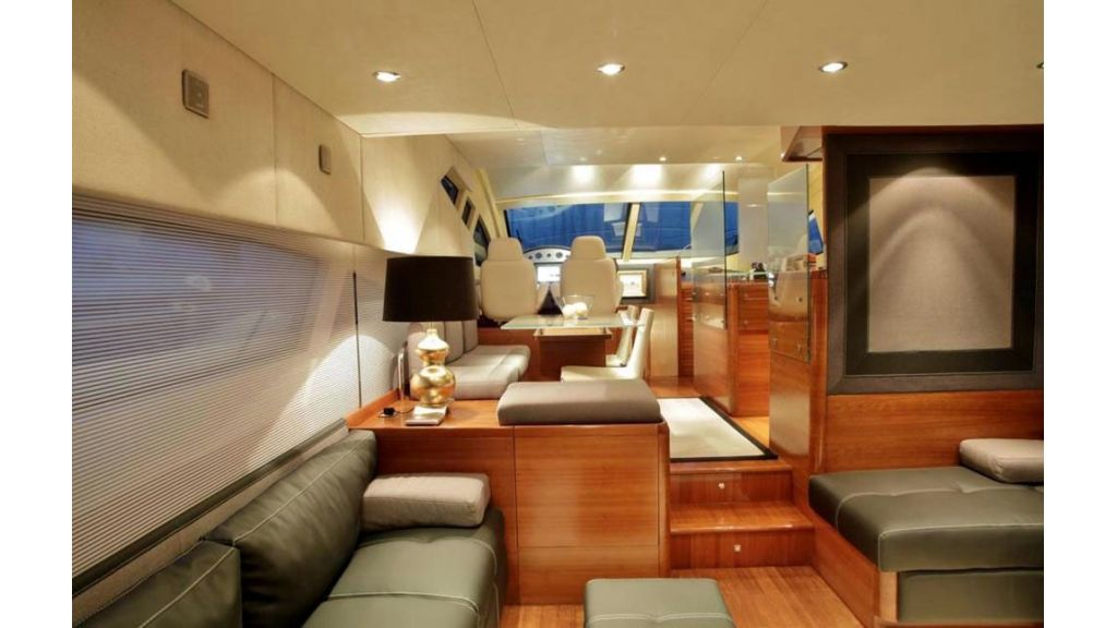 icon 64 ft motor yacht-master