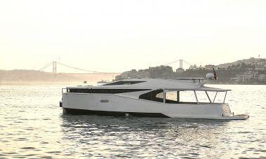 Adel Motoryacht Charter istanbul master
