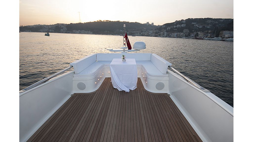 Adel Motoryacht Charter istanbul-master