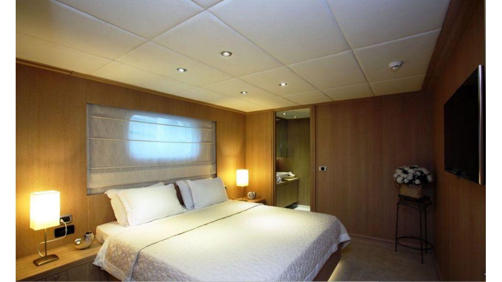 Alpha 1 luxury  motor yacht master