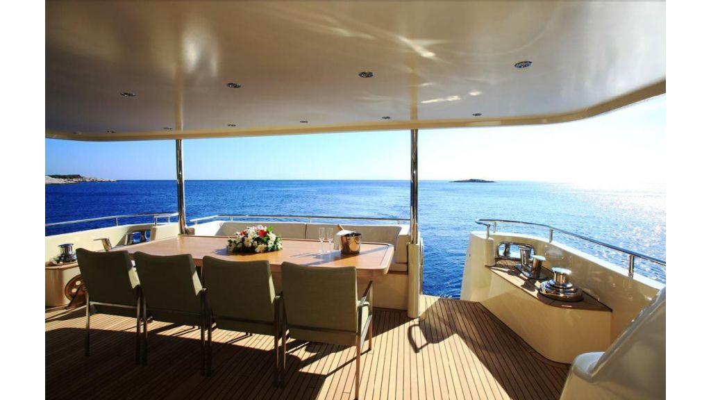 Alpha 1 motor yacht charter (1)