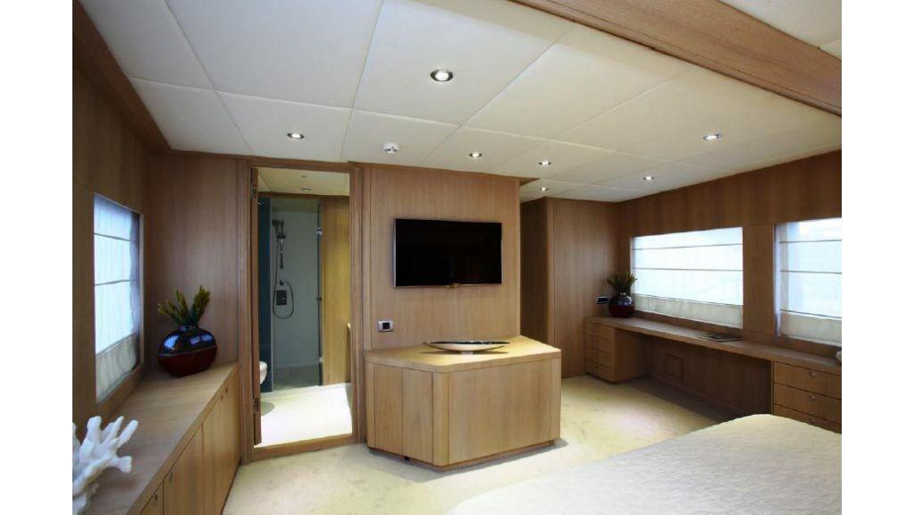 Alpha 1 motor yacht charter (19)
