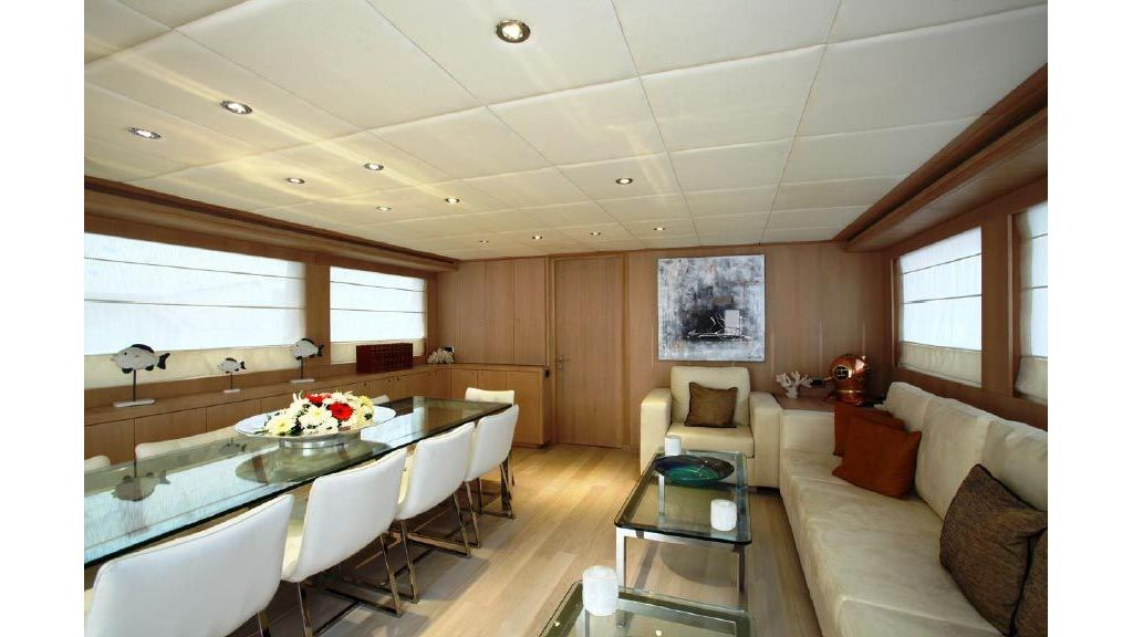Alpha 1 motor yacht charter (21)