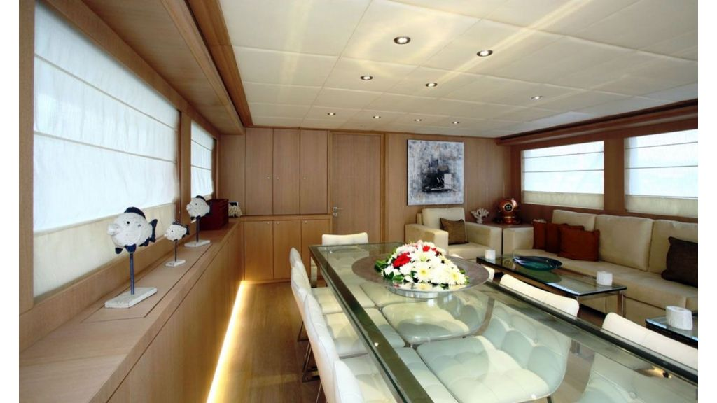 Alpha 1 motor yacht charter (6)