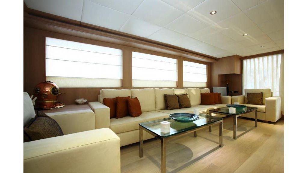 Alpha 1 motor yacht charter (7)
