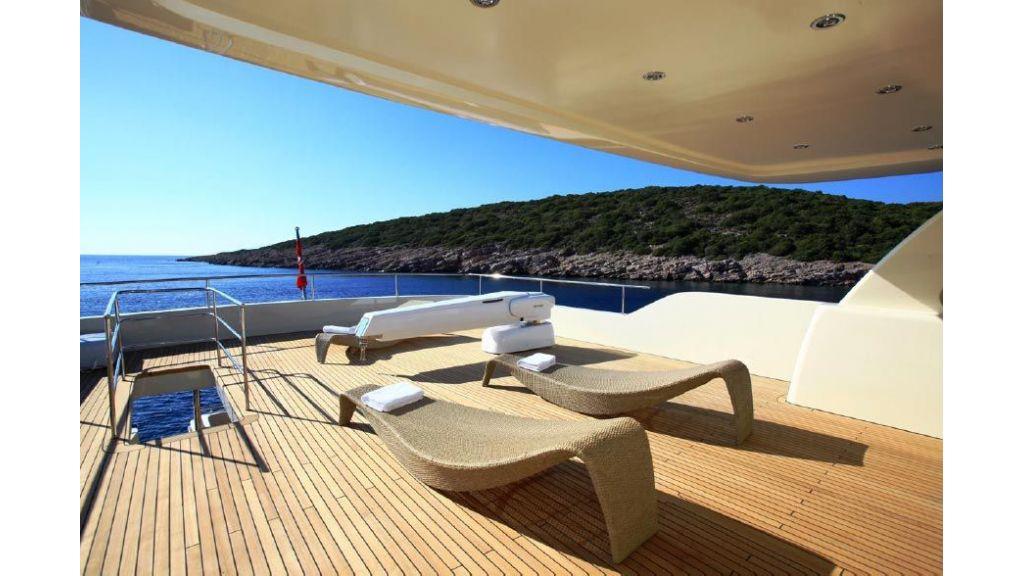 Alpha 1 motor yacht charter (9)